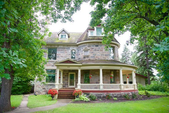 Bella's Castle Bed and Breakfast Morden MB