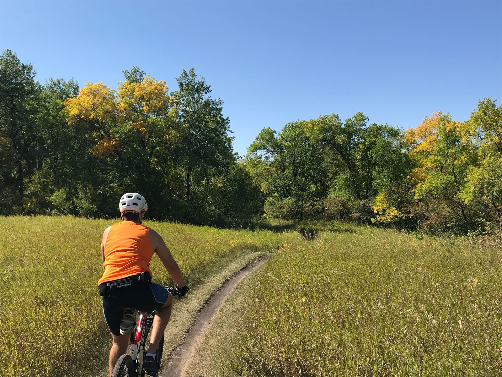 Cycling lover around Lake Minnewasta