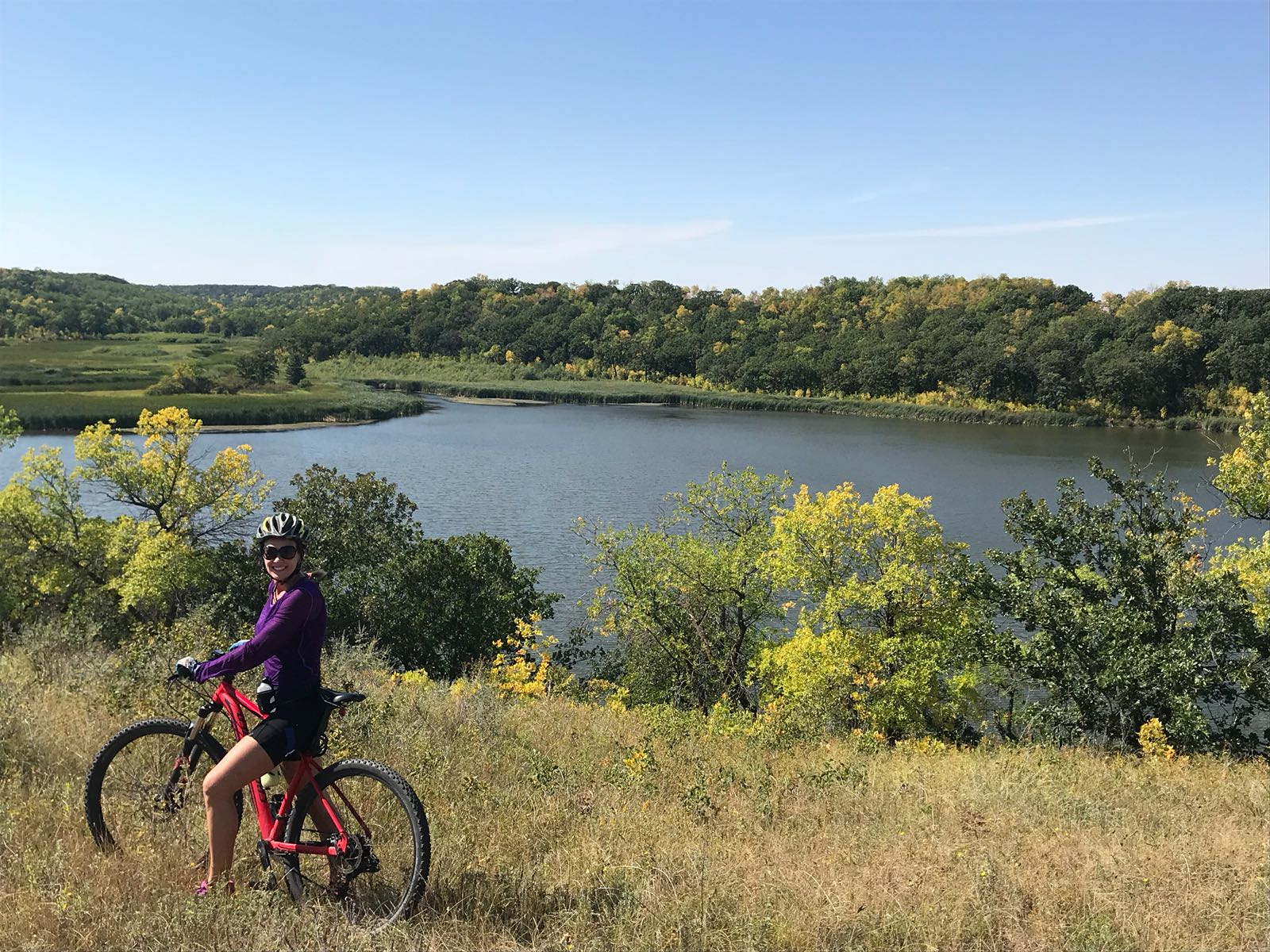 Go cycling around the Lake Minnewasta